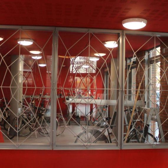 Straatman-15026-Pietervlamingstraat-Amsterdam-(6)-Spinnenweb-hekwerk