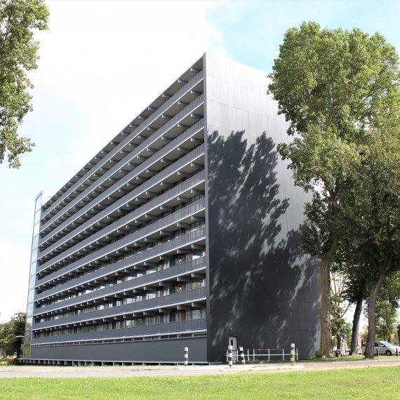 Lamelbalustraden geproduceerd en gemonteerd door Straatman Balustraden en Trappen.